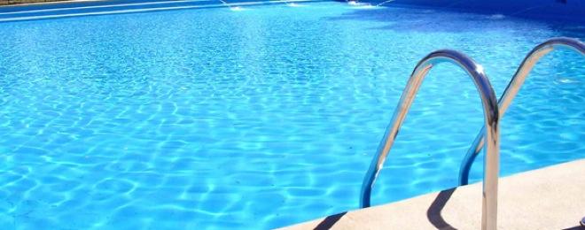 Las piscinas municipales de ponferrada programan una gran for Piscinas ponferrada
