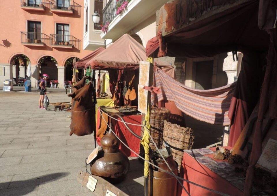 El mercado tradicional berciano ofrecer talleres for Talleres artesanales