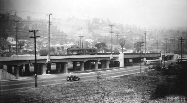 El ferrocarril definía el área de Bairdstown, donde residió Larequi durante su estancia en Los Ángeles