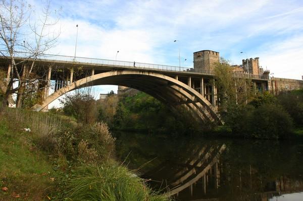 El puente García Ojeda, junto al Castillo de los Templarios (C. Sánchez/Ical)