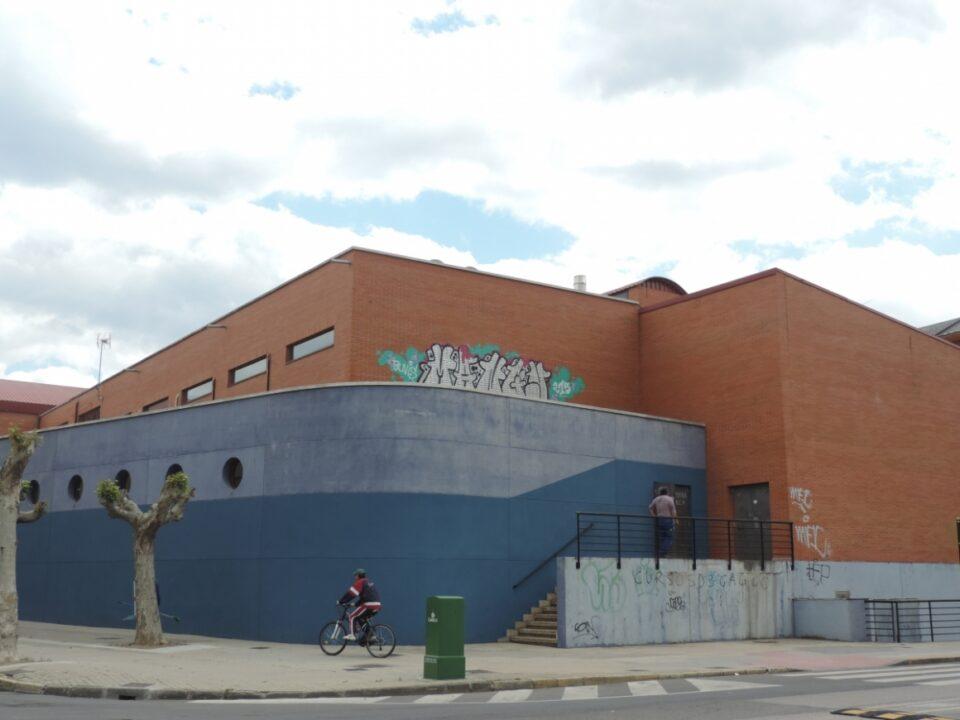 El ayuntamiento abrir las piscinas del campus en junio for Piscinas ponferrada