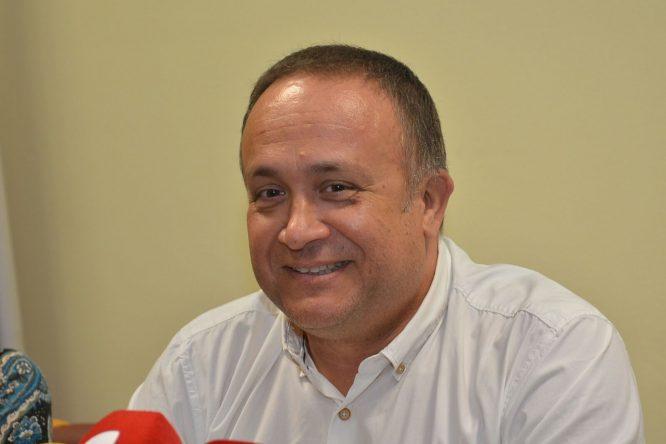 El presidente del Consejo Comarcal, Gerardo Álvarez Courel, durante la presentación. / QUINITO.