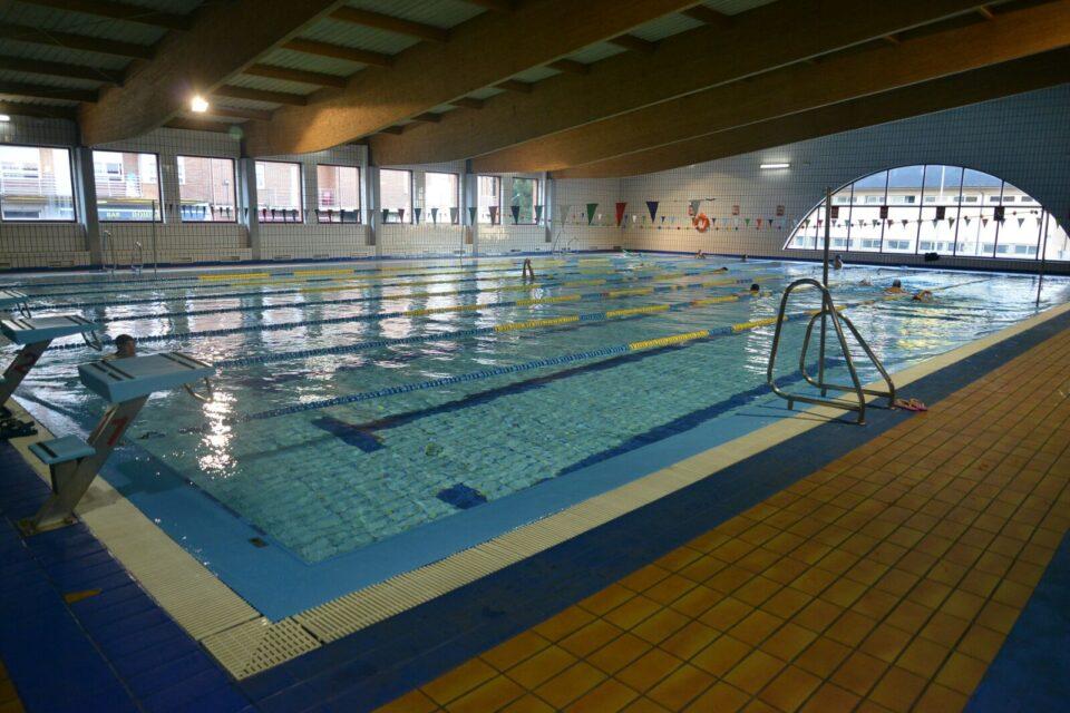 Comienzo de la pretemporada del club nataci n bierzo for Piscinas ponferrada