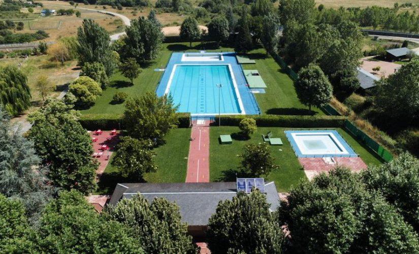 algunas piscinas de verano del BIerzo, como las de Cubillos, ya han abierto