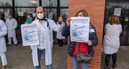 Concentración de trabajadores del Sacyl contra el Decreto 2/2020 de la Junta / EBD