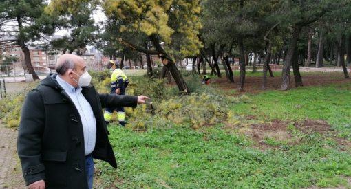 Empiezan las obras en las áreas para perros en Ponferrada